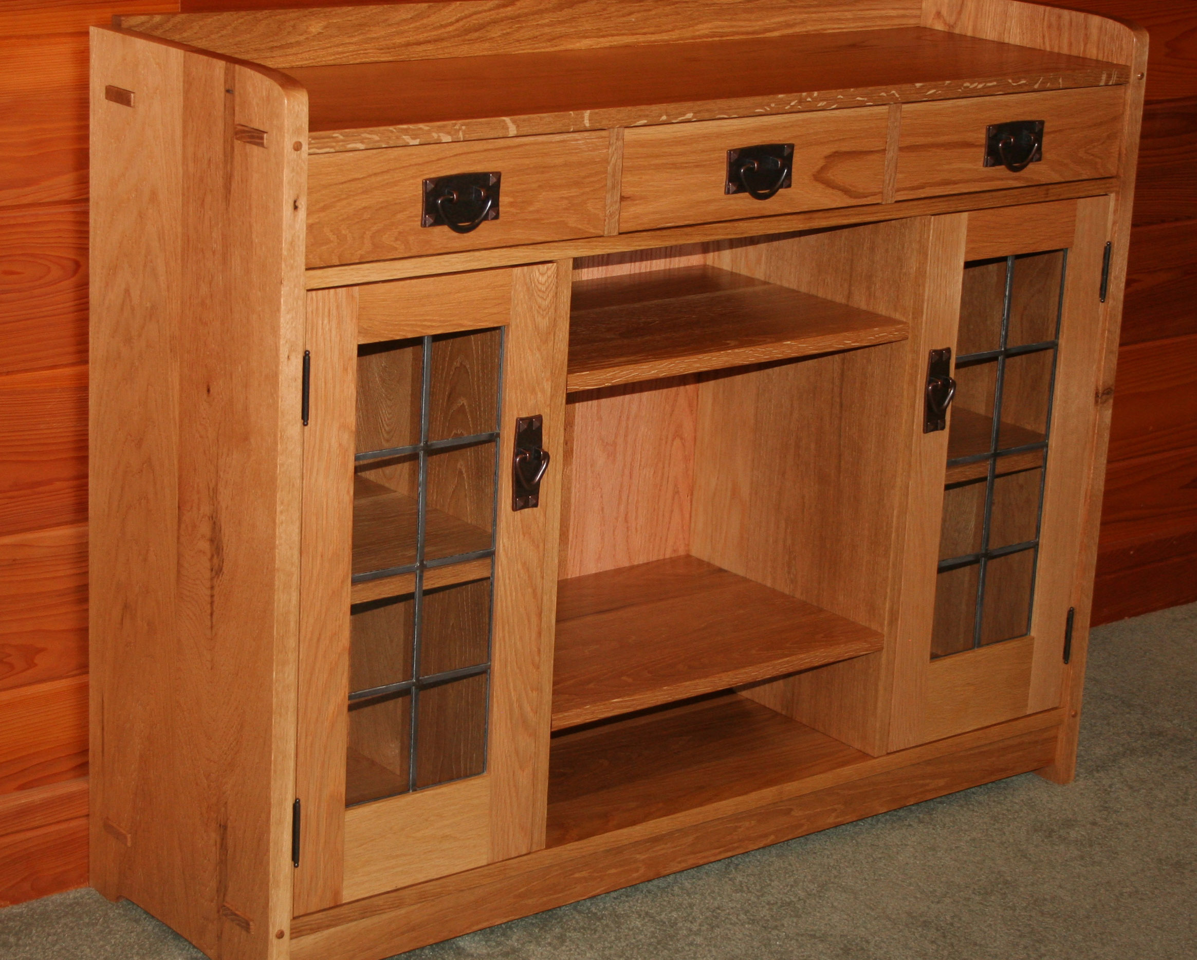 Incroyable Stickley Cabinet